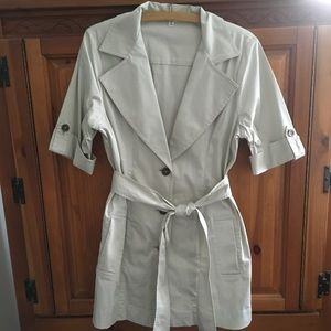 CABI Sandy Tan Belted Trench Coat Jacket 777 Sz 8